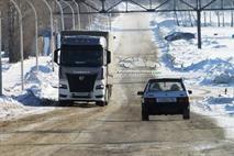 Новый КамАЗ с кабиной Mercedes заметили на дороге, фото 1
