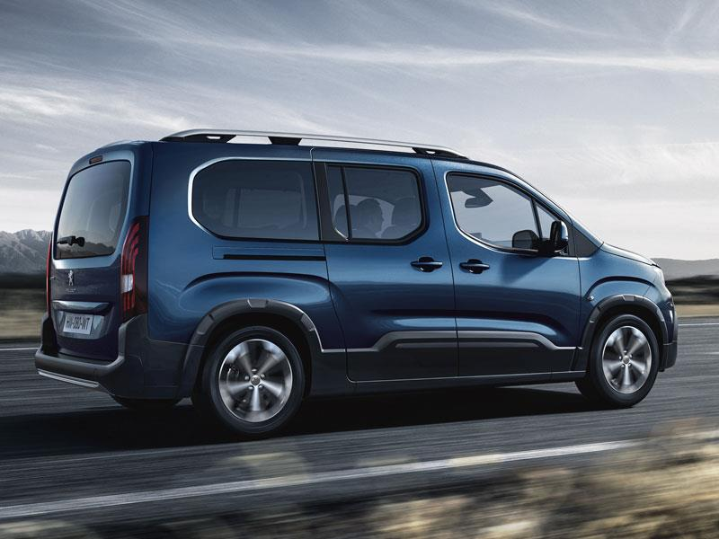 Автомобильные новинки  «Каблучок» Peugeot Partner переименовали в Rifter a8800eaca546b