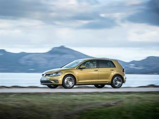 Volkswagen возобновил продажи Golf в России