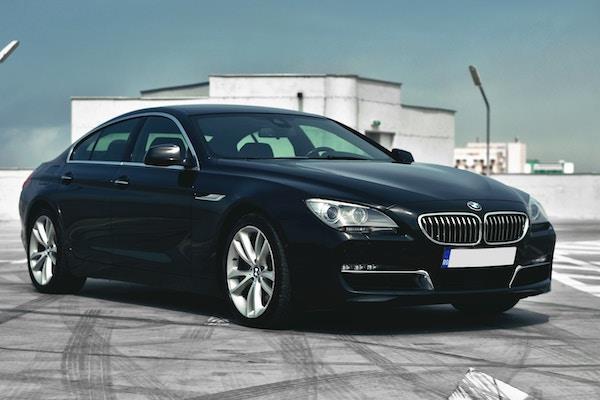 AUDI A4 И BMW 3 серии – гонка премиальных седанов, фото 1