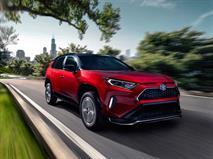 Toyota RAV4 стал «розеточником»