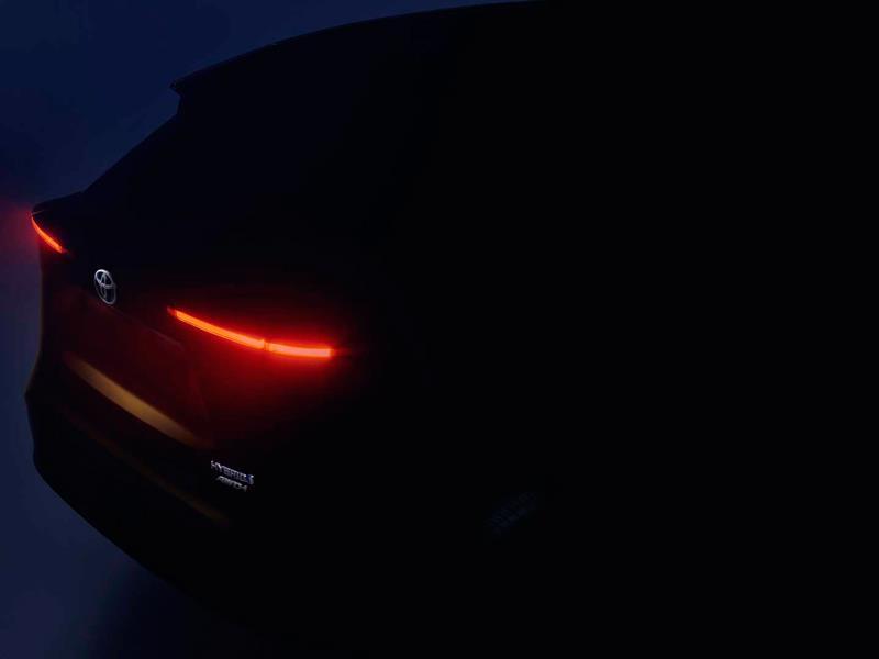 Кроссовер Toyota на базе Yaris будет полноприводным гибридом