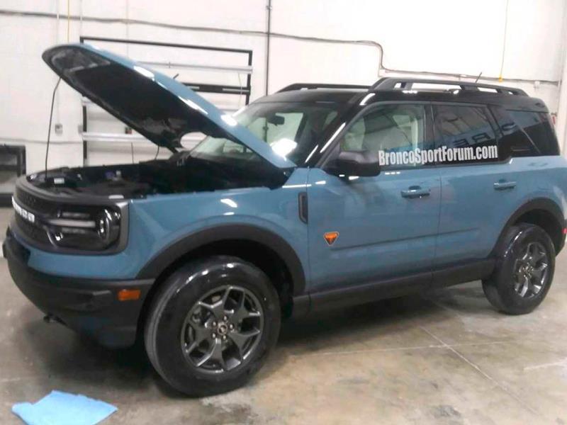 Новый Ford Bronco Sport получит агрессивную внешность